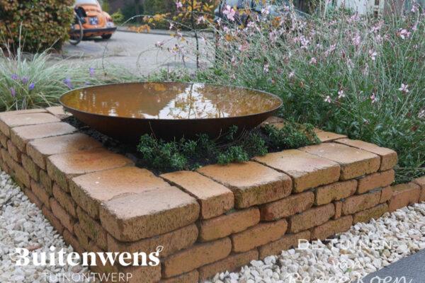 Buitenwens-Tuinontwerp-Heemskerk-Metamorfose-Stapelmuurtje-Waterschaal